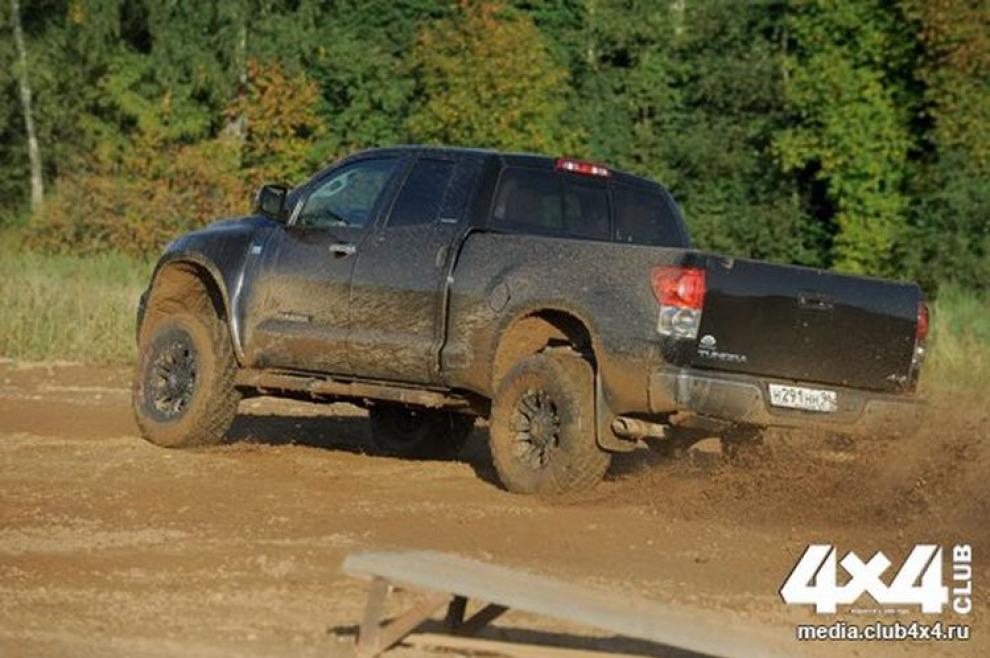 Toyota Tundra. Кенгуру-пикап