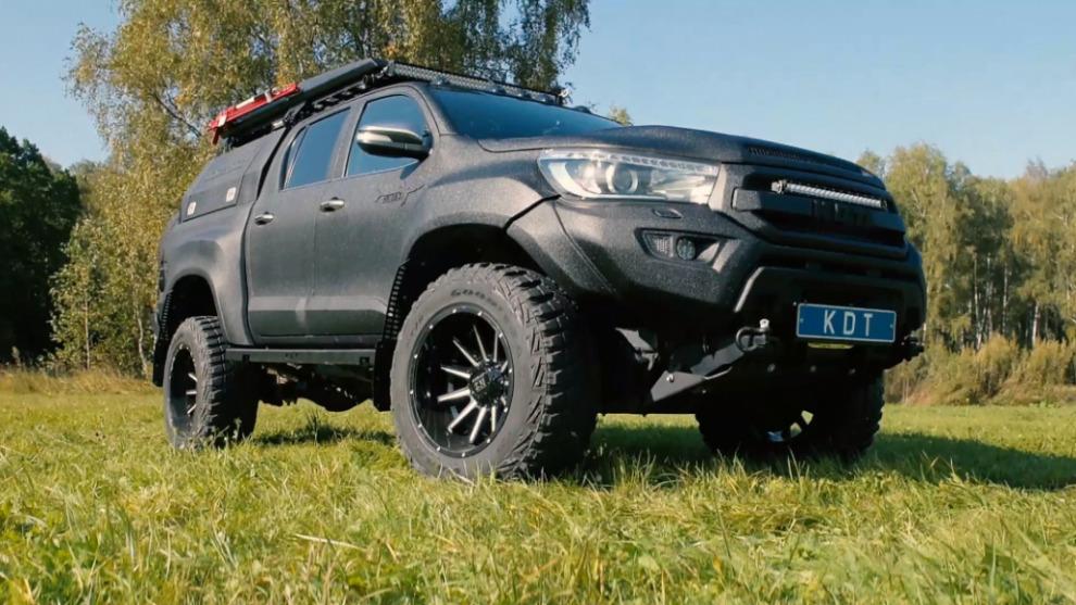 """Проект """"Катран"""": Экспедиционная Toyota Hilux, которая валит как сумасшедшая (видео)"""