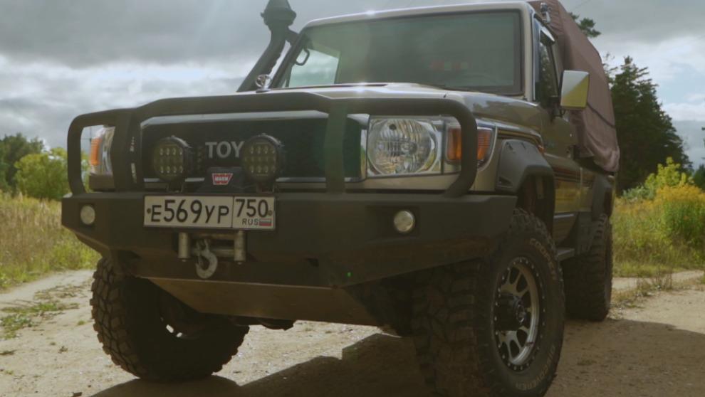 Тюнинг пикапа Toyota Land Cruiser 79. С тёплым кузовом. (видео)