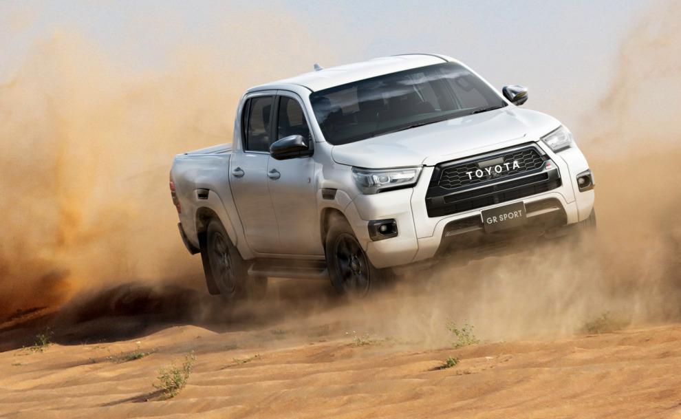 Пикап Toyota Hilux GR Sport отличился не только внешним декором