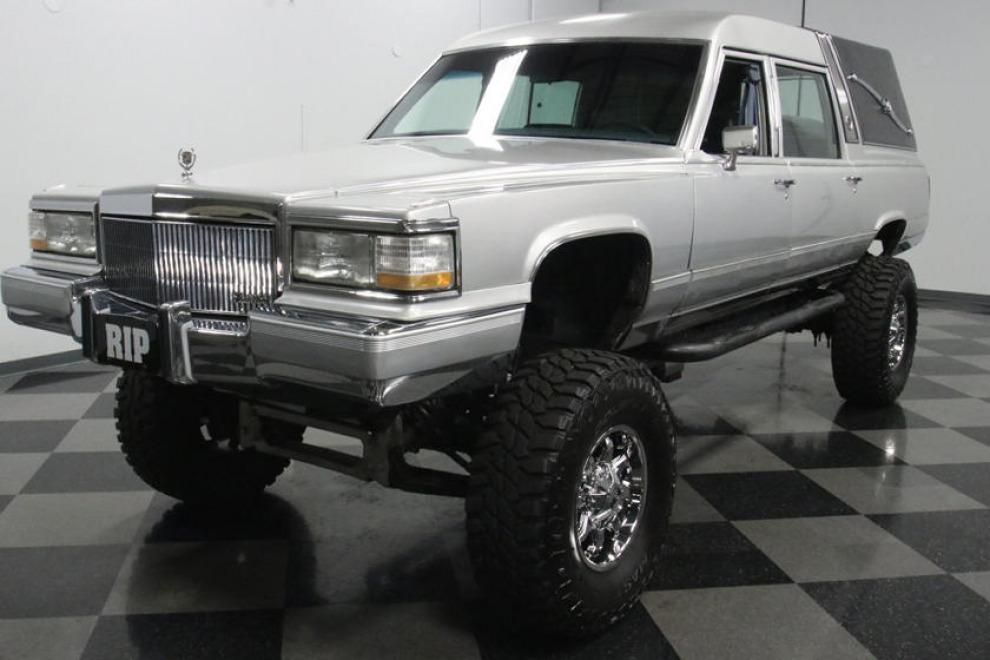 Катафалк Cadillac — лучший способ покинуть этот мир