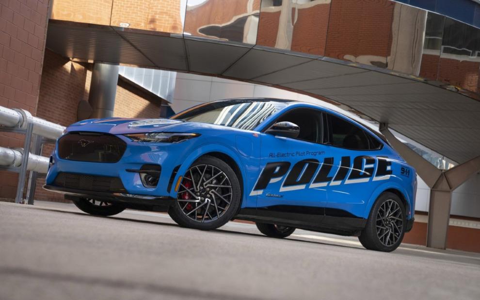Кроссовер Ford Mustang Mach-E заступит на службу в полиции