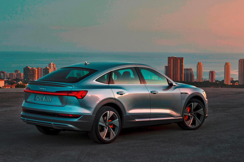 Эту весёлую рекламу Audi сняли с эфира, но мы не знаем почему