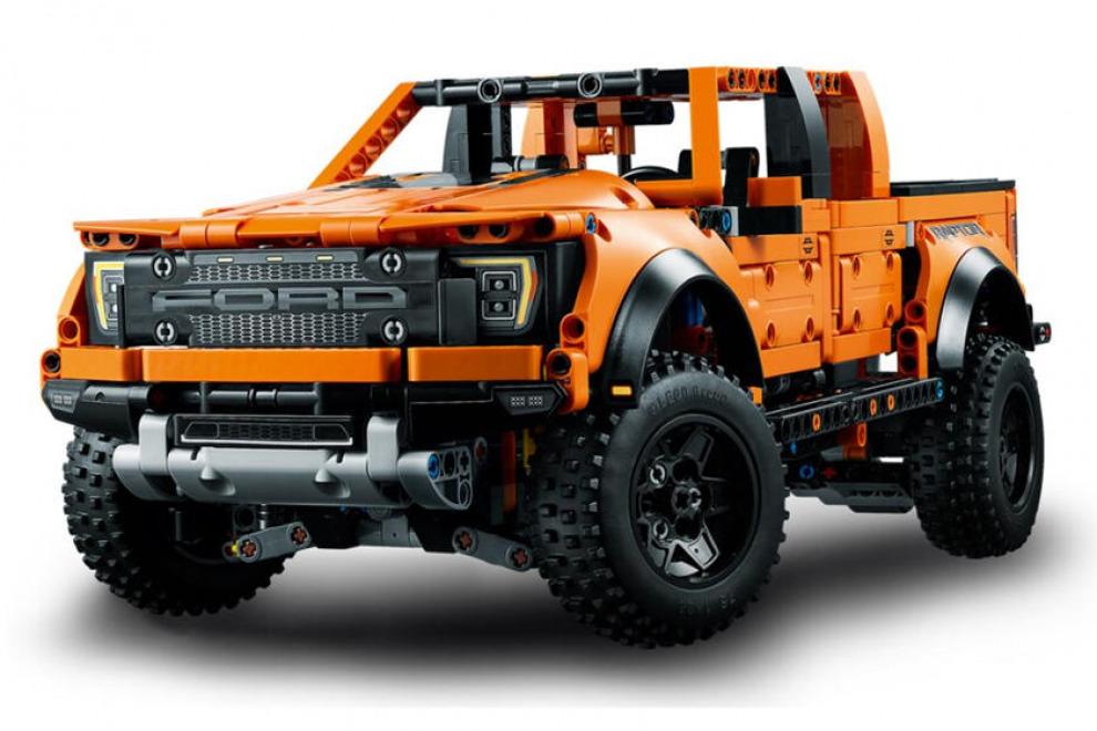 Предельно детализировано. Lego выпустила свой вариант Ford F-150 Raptor