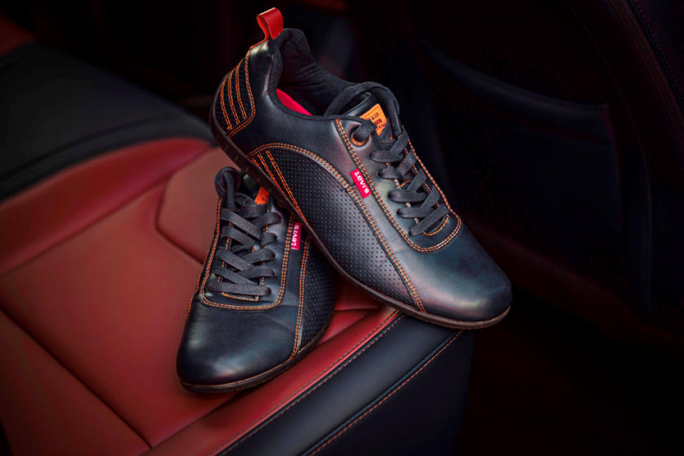 Стильный интерьер пикапа Ford Maverick вдохновлён обувью Levi's