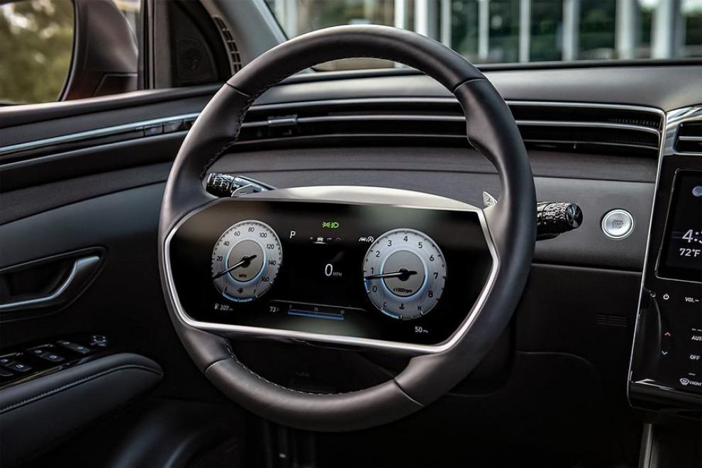 Компания Hyundai запатентовала руль с большим дисплеем