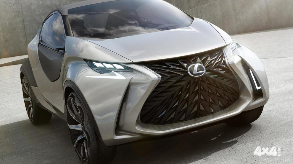 Lexus хочет выпустить новый маленький кроссовер