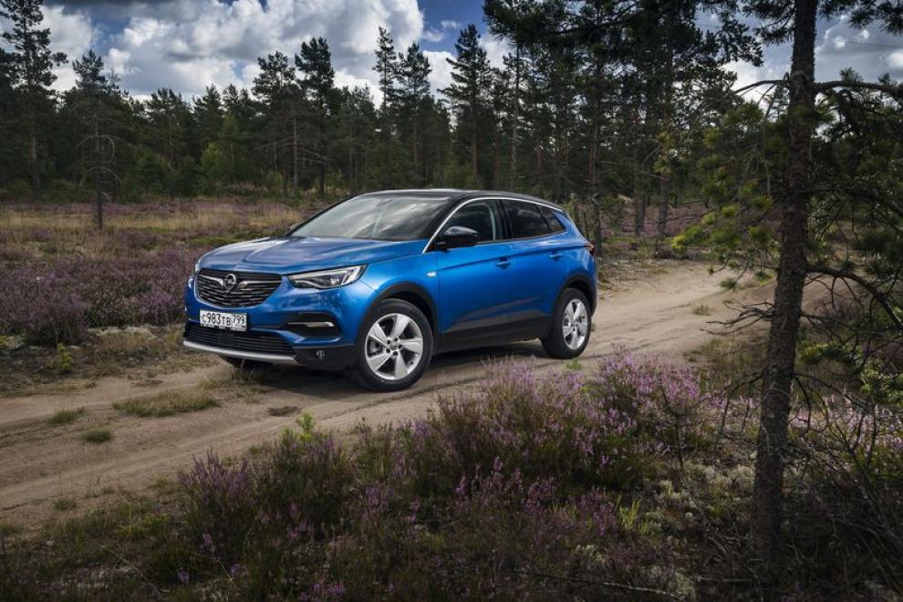 Что такое Opel Grandland X? Нечто среднее