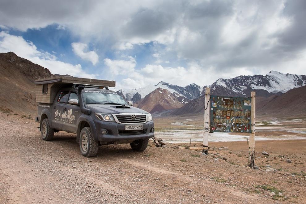 Жизнь в пикапе. Изготовление и установка жилого модуля на Toyota Hilux