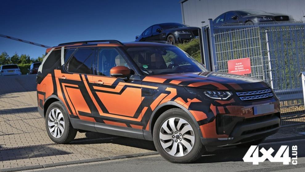 Новый Land Rover Discovery оголился перед камерами