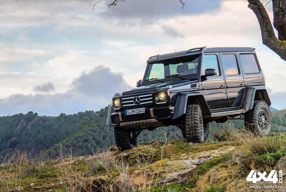 Четырехколесный Mercedes-benz G500 4х42 удивляет всем, начиная с названия