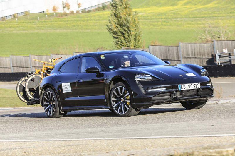Кросс-универсал Porsche Taycan готовится к выпуску