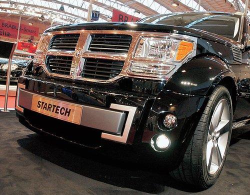 Dodge Nitro, переодетый в ателье Startech, еще серьезнее, еще брутальнее