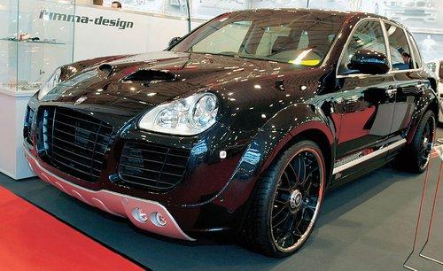 В ателье Lumma Design Cayenne переименовали в CLR400 GT и помимо запоминающегося облика снабдили неплохим потенциалом в 470 л. с.
