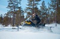 Ski-Doo Tundra WT 550F – добротная «рабочая лошадка», настоящий «утилитарник»
