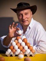 Готовим мегаяичницу из 60 яиц