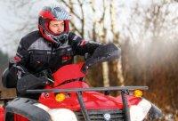 Катаясь на квадроцикле в правильно выбранной куртке, вы и не замерзнете, и не запаритесь