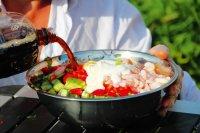Рецептов окрошки много, делать ее проще простого, но есть специфические тонкости приготовления
