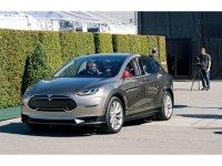 Tesla готовит к производству электрический кроссовер Model X