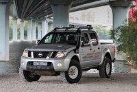 В меру доработанный Nissan Navara поколения D40 вышел прекрасным проходимцем