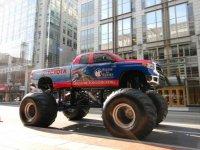 На SEMA представлены два монстр-трака на базе Toyota Tundra