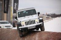 Участники Клуба «JEEP 4x4 Club» испытали свои автомобили на Jeep Territory в Крокус Сити