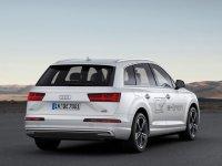 Audi показала гибридный Q7 e-tron
